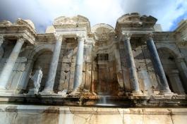 Tarih - Sagalassos Antik Kenti - Antoninler Çeşmesi