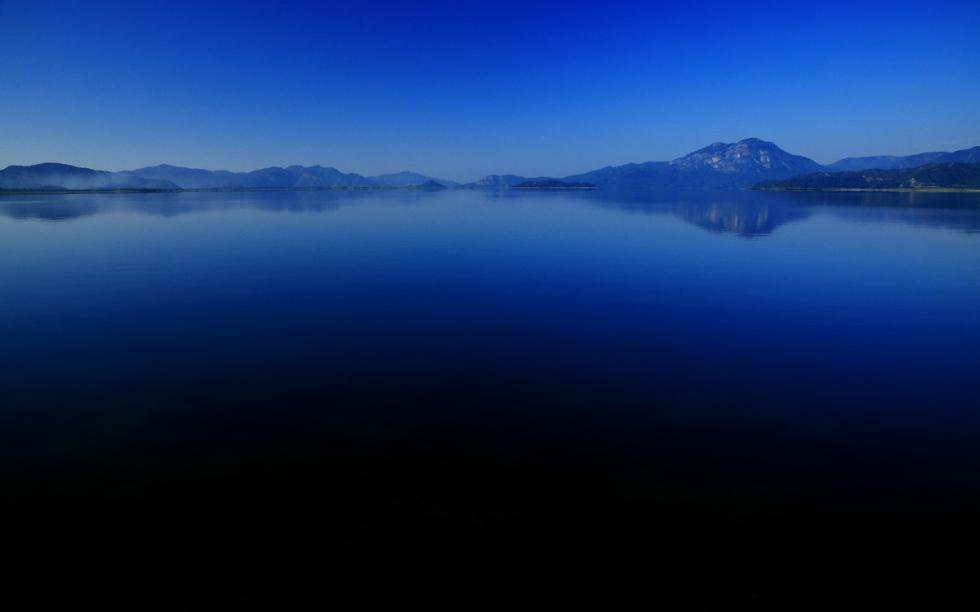Sabahın ilk saatlerinde, Köyceğiz Gölü bir başka güzel…