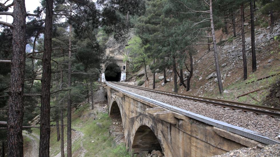 Bir başka Tünel
